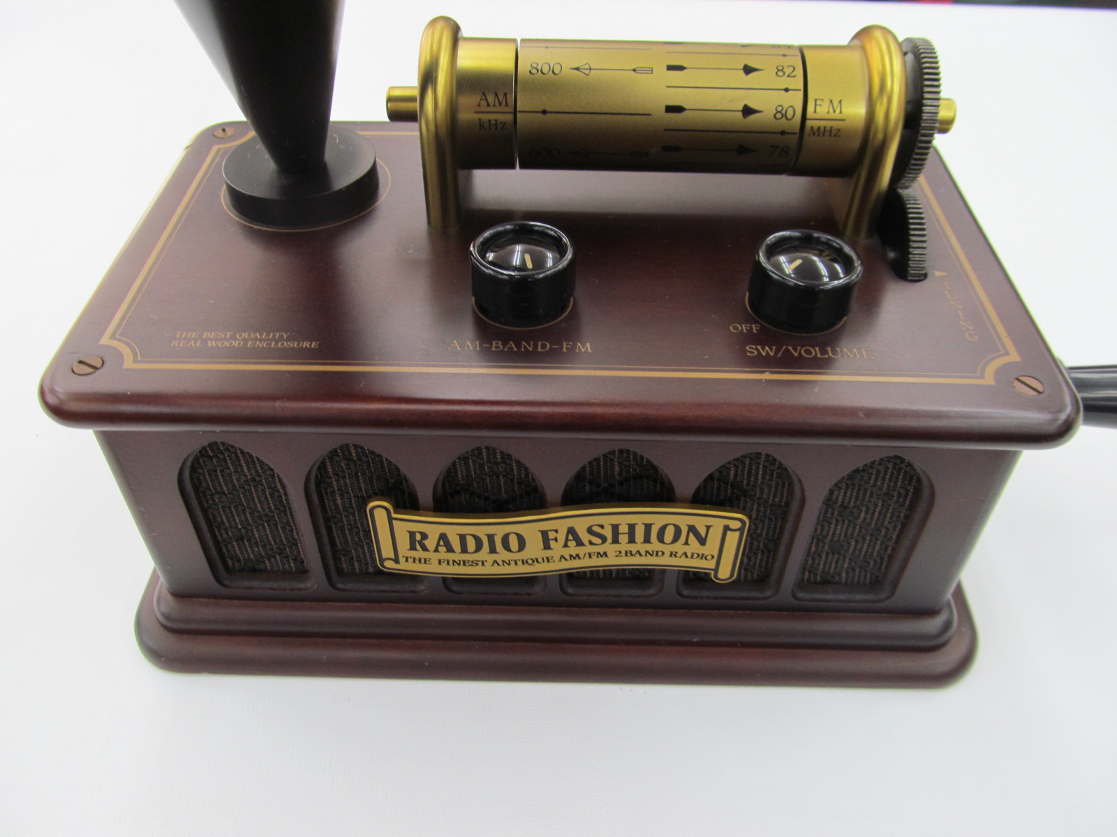 【動画あり】蓄音機風ラジオがありますよ♪_[2]
